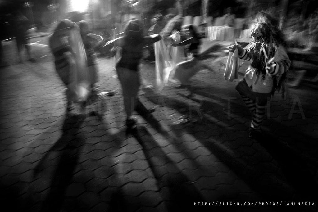 Bali Image : Calonarang Performance during Tek-tekan Festival I at Puri Anyar Kerambitan