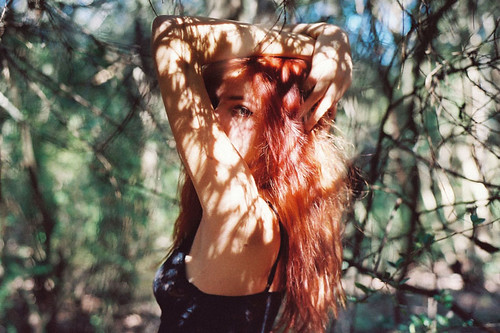 фото девушка рыжая без лица