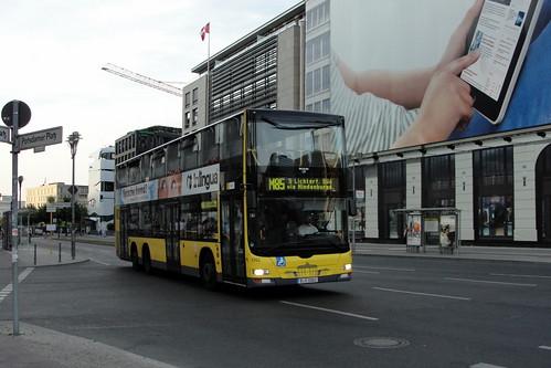 Ônibus de dois andares / Double decker bus. Berlin. Germany
