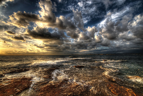 sunset sea mer storm france clouds marseille provence nuages hdr orage coucherdusoleil 3xp