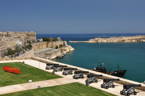 battery malta guns walls fortification fortifications valletta grandharbour salutingbattery barrakkagardens