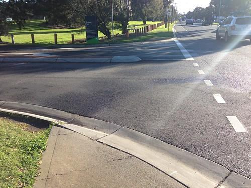 Pedestrian ramps to nowhere, Bulleen