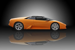 model car(0.0), lamborghini reventã³n(0.0), automobile(1.0), vehicle(1.0), automotive design(1.0), land vehicle(1.0), luxury vehicle(1.0), lamborghini diablo(1.0), lamborghini murciã©lago(1.0), supercar(1.0), sports car(1.0),