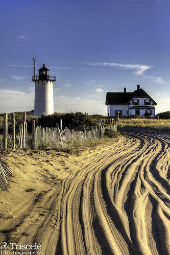 light sunset lighthouse house race point ma dusk provincetown massachusetts north cape cod truro hdr colorphotoaward superaplus aplusphoto bestcapturesaoi bestofmywinners elitegalleryaoi