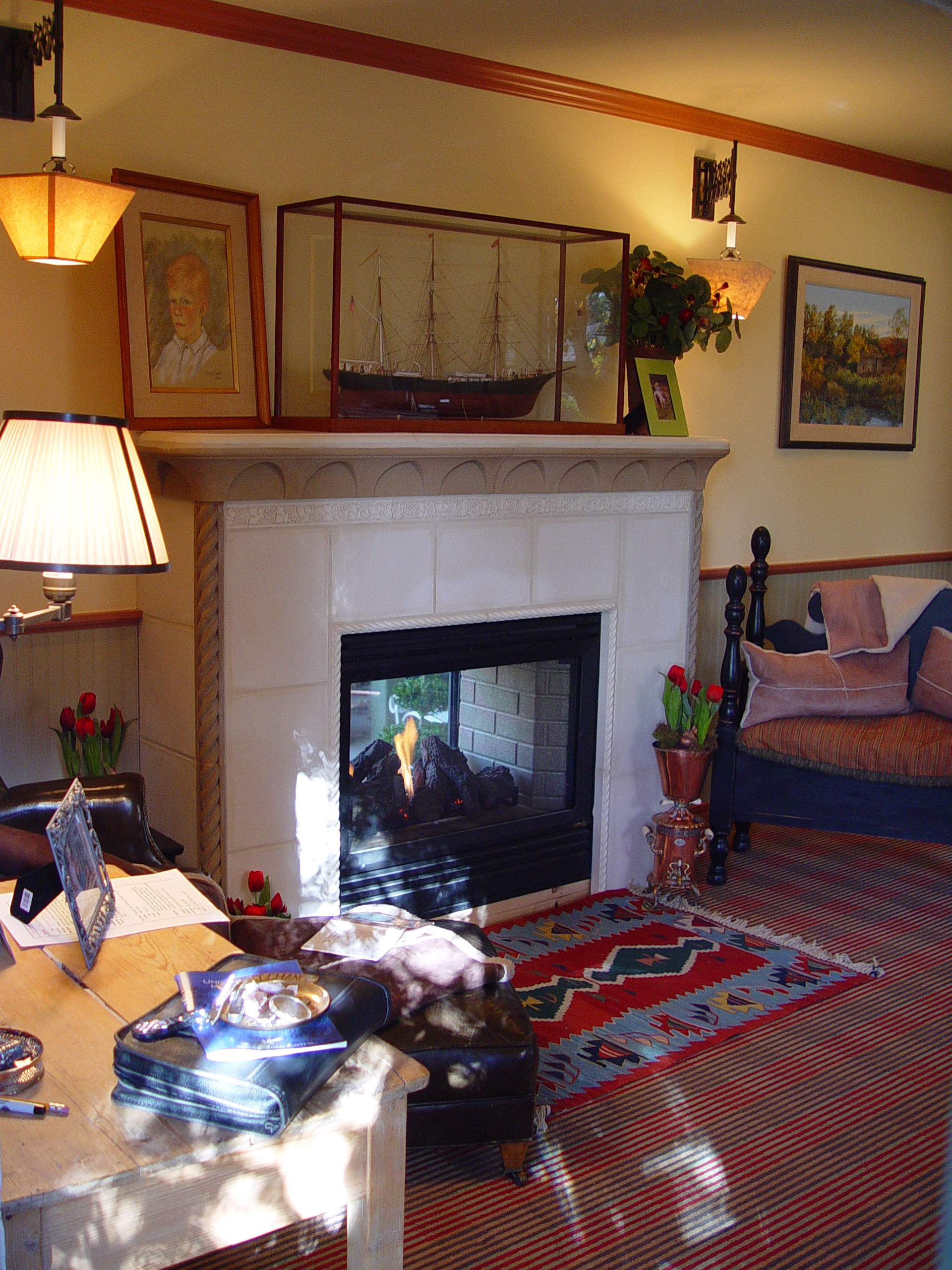 Indoor outdoor fireplace flickr photo sharing for Back to back indoor outdoor fireplace