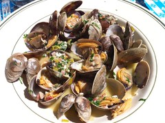 clam, seafood, invertebrate, bouillabaisse, food, dish, cuisine, clams, oysters, mussels and scallops, mussel,