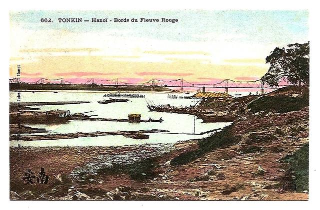 TONKIN - HANOI - Bords du Fleuve Rouge