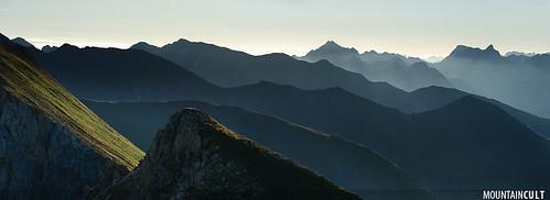 summer panorama mountain verde green sunrise landscape europa europe paisaje panoramic panoramica paysage andorra pyrenees muntanya ridges verd pirineus paisatge pirineu casamanya summits canillo principatdandorra mountaincult highresolutionstitch jordisoléjoval 90mmsummicronrapoasph