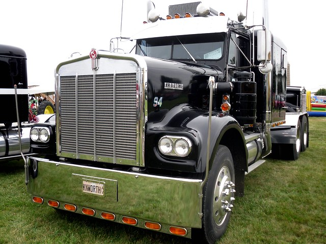 5005677639 on old kenworth trucks
