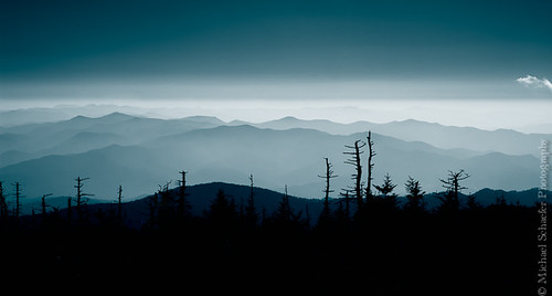 blue trees mountain mountains tree nature d50 michael haze nikon tennessee smoke northcarolina hills micha dome smokey clingmansdome schaefer smokeymountains clingmans ptf