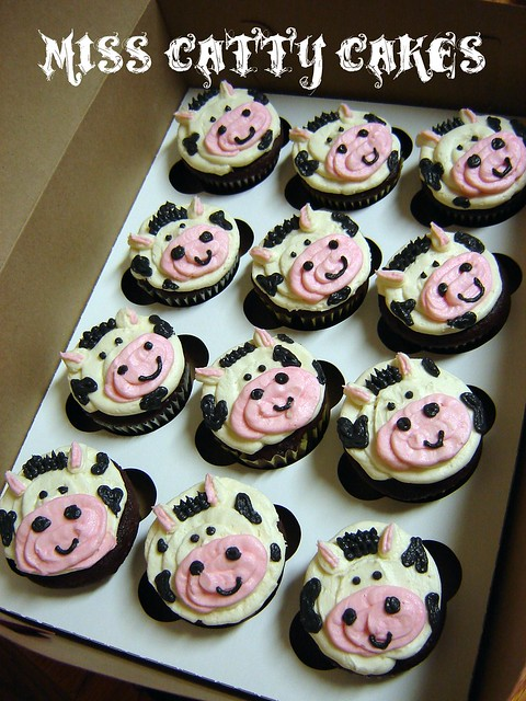 Easy Cow Cake Design : Cow Cupcakes Flickr - Photo Sharing!
