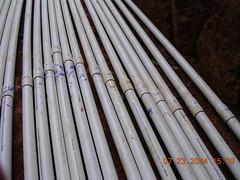 bamboo(0.0), wood(0.0), cue stick(0.0), mast(0.0), iron(0.0), pipe(1.0), metal(1.0), line(1.0),