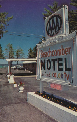 vintage michigan postcard motel beachcomber mackinawcity
