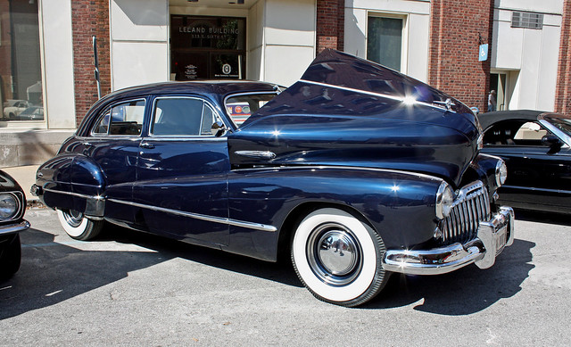 1946 Buick Super Eight 4-Door Sedan (4 of 9)