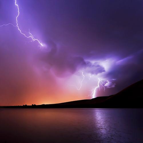 lightning storm photo