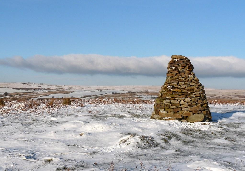 23708 - Cairn on Cefn Drum