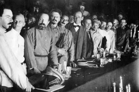 kansa45-1947b-kommunistisen-internationaalin-toisen-kongressin-osaanottajia-moskova-1920