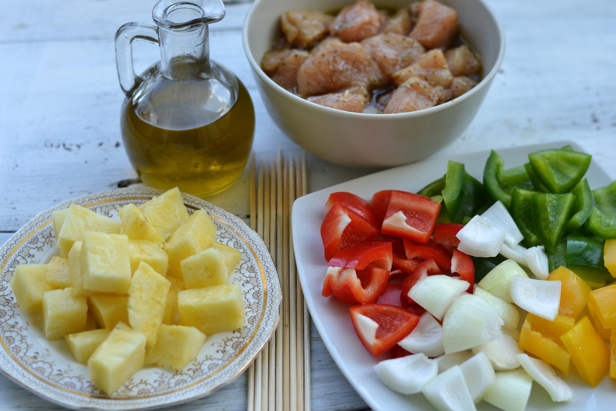 ingrediente frigarui de pui cu ananas si legume