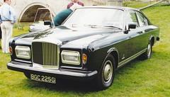 automobile, automotive exterior, vehicle, bentley t-series, rolls-royce silver seraph, antique car, sedan, land vehicle, luxury vehicle,