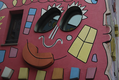 Rizzi House, Face