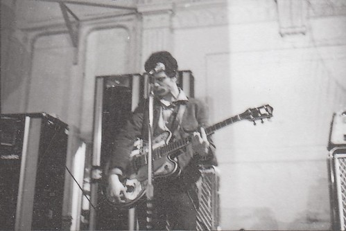 Lou Reed with modified Gretsch at the Boston Tea Party, 1967