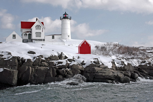 Snowy Nubble Light