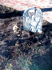 Outdoor halloween decorations, halloween outdoor decorations tombstones skeleton …