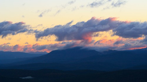 clouds sunrise landscape vermont norwich vt gilemountain