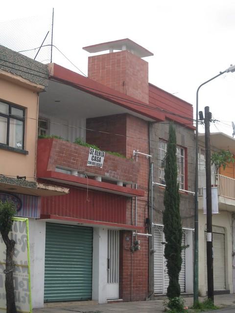 Fachada de la casa con 2 locales comerciales flickr - Fachadas de locales comerciales ...