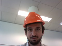 red(0.0), hat(1.0), hard hat(1.0), person(1.0),