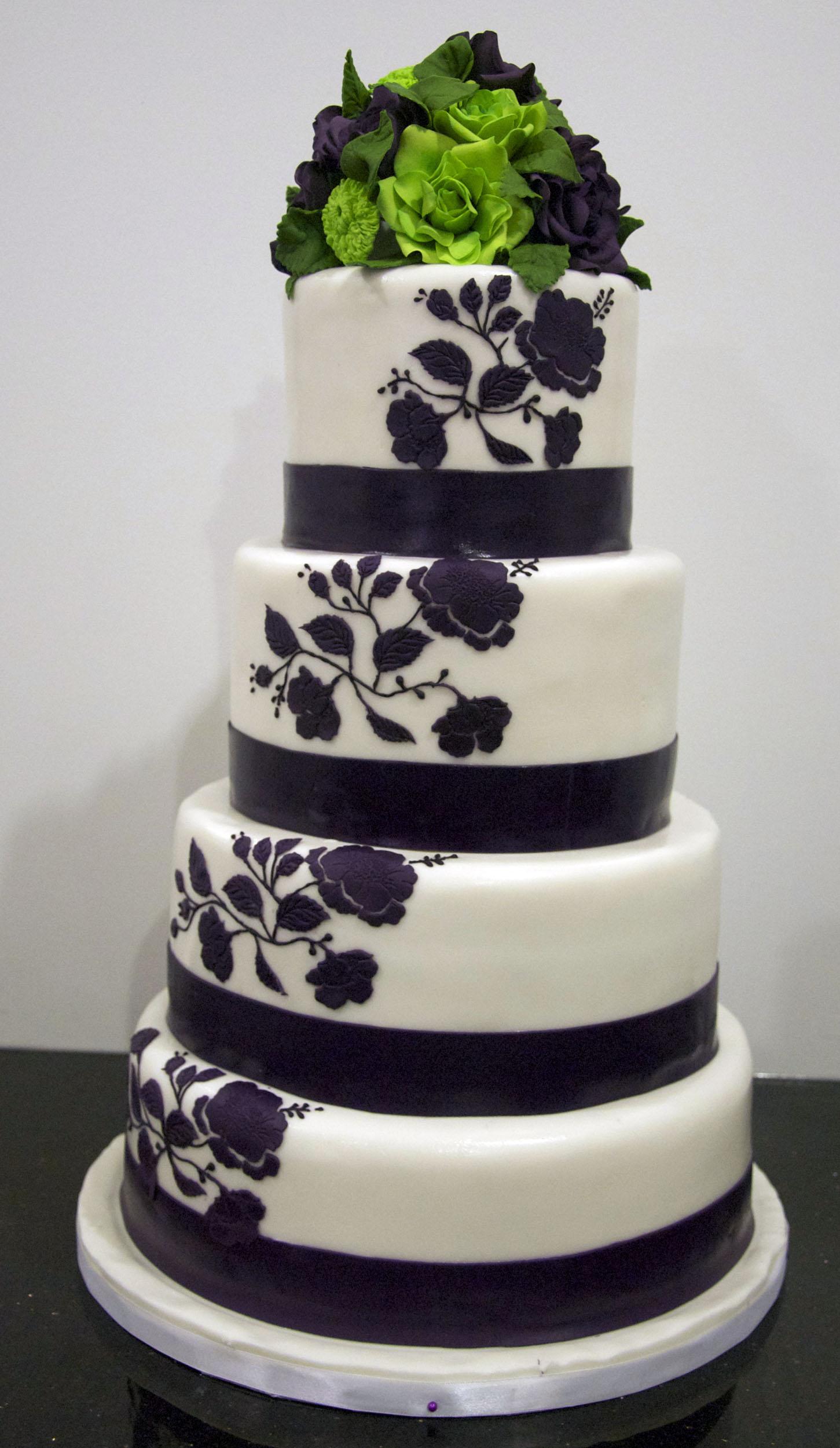 W9066 grape lime wedding cake
