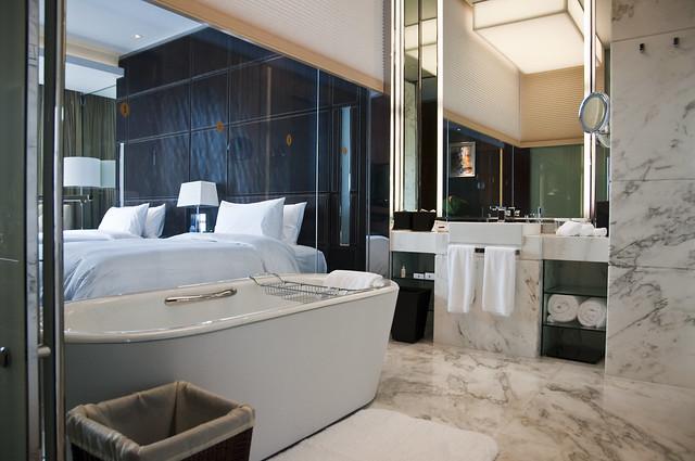Bathroom with Floor to Ceiling Windows