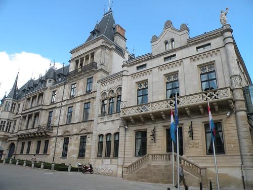 Chambre des d put s et palais grand ducal luxembourg a for Chambre de deputes luxembourg