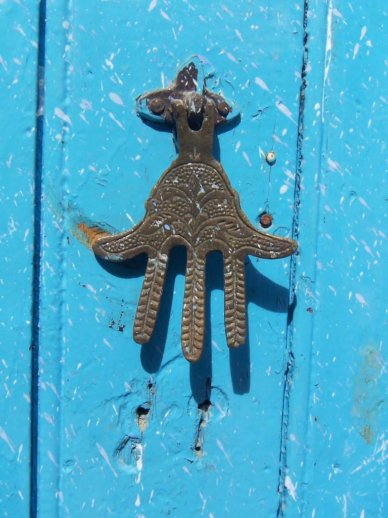 Aldabón con la mano de Fátima o Jamsa,Chefchauen,Marruecos.