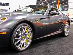 automobile(1.0), automotive exterior(1.0), ferrari 599 gtb fiorano(1.0), wheel(1.0), vehicle(1.0), performance car(1.0), automotive design(1.0), ferrari california(1.0), ferrari s.p.a.(1.0), land vehicle(1.0), luxury vehicle(1.0), supercar(1.0), sports car(1.0),