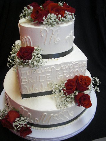 square wedding cake with red roses circle and square wedding cake with roses flickr 20439