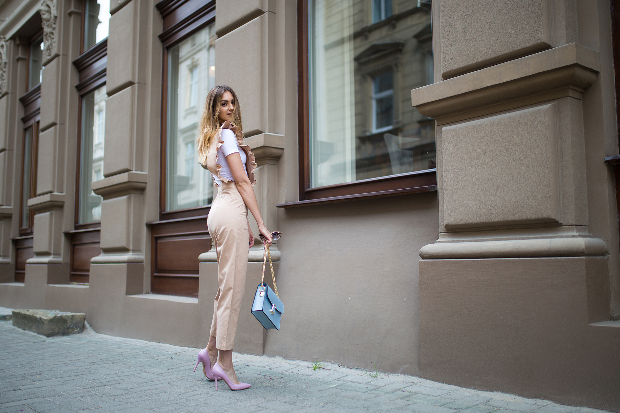 pastel-pink-heels-outfit
