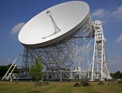 sport venue(0.0), vehicle(0.0), stadium(0.0), arena(0.0), radio telescope(1.0),