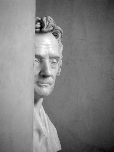 Peering Statue
