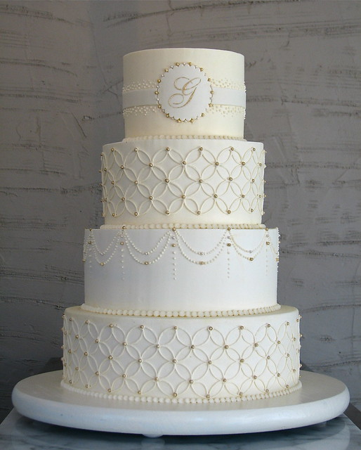 Overlapping Circles Wedding Cake