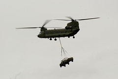 aircraft(1.0), aviation(1.0), helicopter rotor(1.0), boeing ch-47 chinook(1.0), helicopter(1.0), vehicle(1.0), military helicopter(1.0), flight(1.0), air force(1.0),