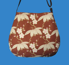 Curvy slouch fabric bag Amy Butler Trailing Cherry
