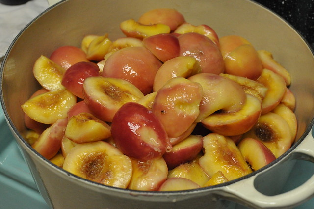 peeled white peaches