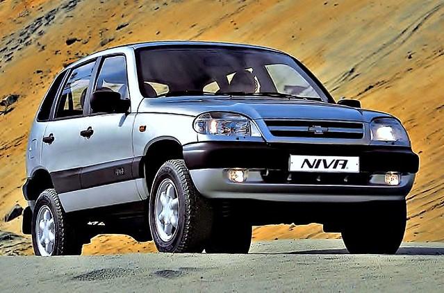 LADA - VAZ 2123 Chevrolet Niva