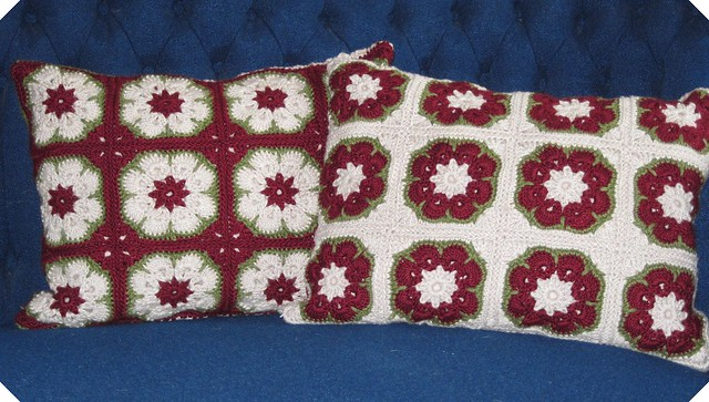 Free Christmas Wreath Pillow Pattern - FREE Crochet Patterns