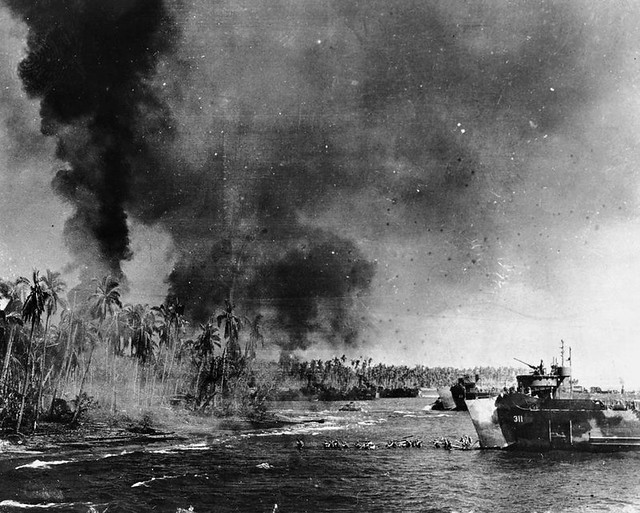 U.S. troops head toward the beaches of Leyte island during the amphibious assault to reconquest the Philippines, Oct 1944