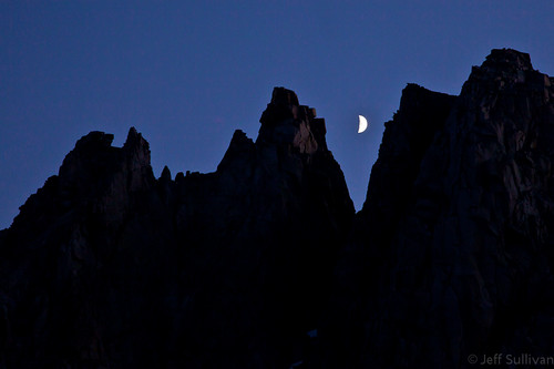 Crescent Moon over Kearsarge Pinnacles