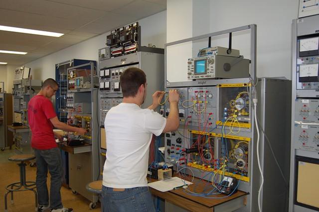 Laboratoire électrotechnique