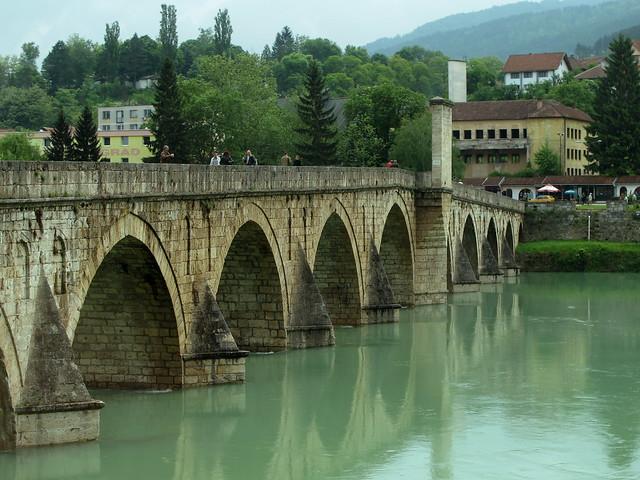 Вишеград: мостът на река Дрина
