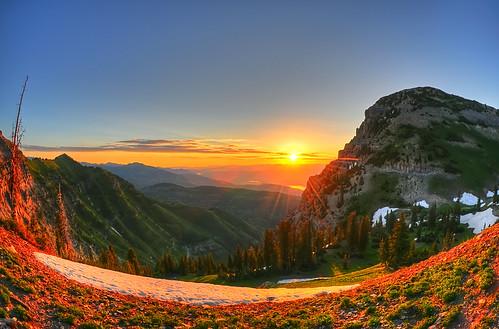 mountain sunrise trek lens utah nikon uinta walk hike explore valley timpanogos sundance rockymountains jpg campout nikkor f28 hdr hiddenlake hiddenlakes d300 105mm ハイキング 登山 aspengrove photomatix ロッキー山脈 7xp